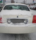 lincoln town car 2007 white sedan signature ltd gasoline 8 cylinders rear wheel drive automatic with overdrive 13502