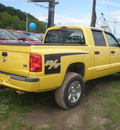 dodge dakota 2006 yellow slt gasoline 8 cylinders 4 wheel drive automatic 13502