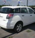 toyota matrix 2006 white hatchback gasoline 4 cylinders all whee drive automatic with overdrive 13502