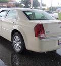 chrysler 300 2008 white sedan c hemi gasoline 8 cylinders rear wheel drive automatic 34474