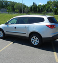 chevrolet traverse 2011 silver suv ls gasoline 6 cylinders all whee drive automatic 55391