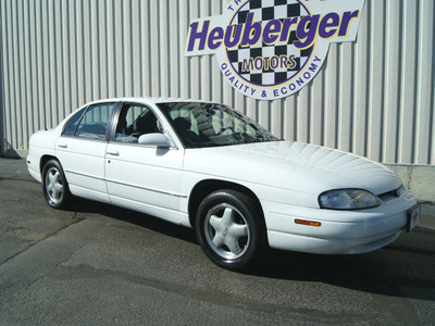 chevrolet lumina 1998 white sedan ltz gasoline v6 front wheel drive automatic 80905