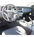 chevrolet camaro 2012 silver coupe 1 lt gasoline 6 cylinders rear wheel drive 6 spd man rr vision pkg o 77090