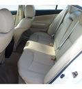nissan maxima 2010 white sedan 3 5 sv gasoline 6 cylinders front wheel drive automatic 77388