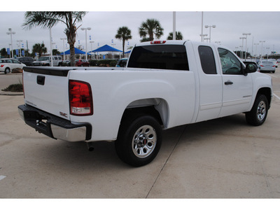 gmc sierra 1500 2007 white pickup truck sle1 gasoline 8 cylinders rear wheel drive automatic with overdrive 77065