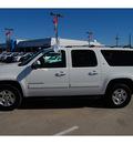 chevrolet suburban 2011 white suv lt 1500 flex fuel 8 cylinders 2 wheel drive 6 speed automatic 77090