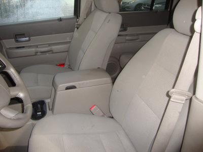 dodge durango 2007 tan suv slt gasoline 8 cylinders 4 wheel drive automatic 60443