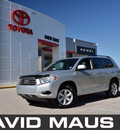 toyota highlander 2009 silver suv gasoline 6 cylinders front wheel drive automatic 32771