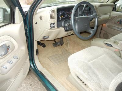 chevrolet silverado 1500 1997 green z71 gasoline v8 4 wheel drive automatic 55016