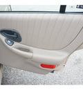 pontiac grand prix 2002 beige sedan gt gasoline 6 cylinders front wheel drive automatic 77388
