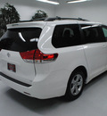 toyota sienna 2011 white van le 8 passenger gasoline 6 cylinders front wheel drive automatic 91731