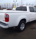 toyota tundra 2006 white limited gasoline 8 cylinders rear wheel drive automatic 98632