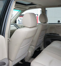 toyota highlander 2005 white suv gasoline 6 cylinders all whee drive automatic with overdrive 56001