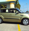 kia soul 2012 green hatchback gasoline 4 cylinders front wheel drive 6 speed manual 32901