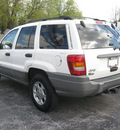 jeep grand cherokee 2000 white suv laredo gasoline 6 cylinders 4 wheel drive automatic with overdrive 45840