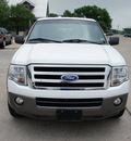 ford expedition el 2007 white suv xlt gasoline 8 cylinders rear wheel drive automatic with overdrive 76087