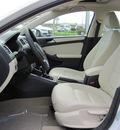 volkswagen jetta 2012 white sedan se gasoline 5 cylinders front wheel drive 6 speed automatic 46410
