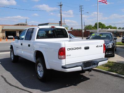 dodge dakota 2001 white sport gasoline 6 cylinders 4 wheel drive automatic 27591