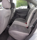 ford focus 2003 lt  gray sedan se gasoline 4 cylinders front wheel drive automatic 27569