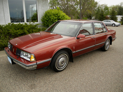 oldsmobile delta eighty eight royale 1986 maroon sedan gasoline v6 front wheel drive automatic 55016