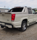 chevrolet avalanche 2005 beige ultimate lx southern comfort flex fuel 8 cylinders rear wheel drive automatic 27569