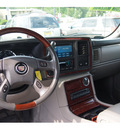 cadillac escalade ext 2005 gasoline 8 cylinders all whee drive not specified 07730