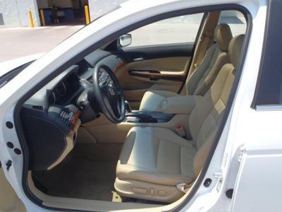honda accord 2011 white sedan ex l v6 gasoline 6 cylinders front wheel drive automatic 28557