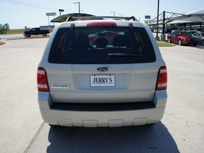ford escape 2008 white suv xls gasoline 4 cylinders front wheel drive automatic with overdrive 76087