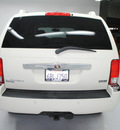 chrysler aspen 2007 white suv limited gasoline 8 cylinders rear wheel drive automatic 91731