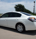 nissan altima 2010 white sedan 2 5 s gasoline 4 cylinders front wheel drive automatic 76018