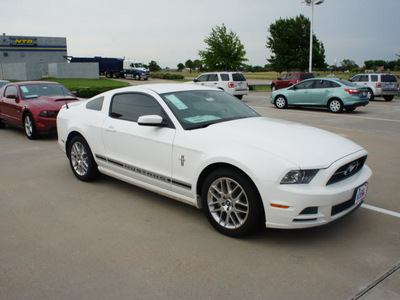 ford mustang 2013 white coupe v6 premium 6 cylinders automatic 76108