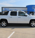 chevrolet avalanche 2011 white c1500 ls flex fuel 8 cylinders 2 wheel drive automatic with overdrive 77099
