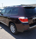 toyota highlander 2012 crimson suv se gasoline 6 cylinders front wheel drive 5 speed automatic 76087