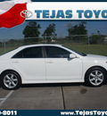 toyota camry 2007 white sedan se v6 gasoline 6 cylinders front wheel drive automatic 77338