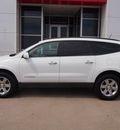 chevrolet traverse 2009 white suv lt gasoline 6 cylinders front wheel drive automatic with overdrive 77802