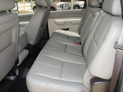 gmc sierra 3500hd 2010 white work truck diesel 8 cylinders 2 wheel drive 6 speed automatic 76087