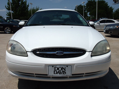 ford taurus 2001 white sedan se gasoline 6 cylinders front wheel drive automatic 76011