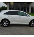 toyota venza 2009 white wagon fwd v6 gasoline 6 cylinders front wheel drive automatic with overdrive 77706