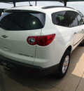 chevrolet traverse 2012 white ls gasoline 6 cylinders front wheel drive not specified 76051