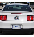 ford mustang 2012 performance white coupe v6 gasoline 6 cylinders rear wheel drive not specified 77375