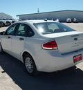 ford focus 2009 white sedan se gasoline 4 cylinders front wheel drive automatic 76234