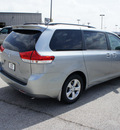 toyota sienna 2011 silver van le 8 passenger gasoline 6 cylinders front wheel drive automatic 76011