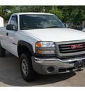 gmc sierra 2500hd 2004 white pickup truck gasoline 8 cylinders rear wheel drive 5 speed manual 77515