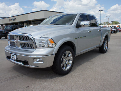dodge ram 1500 2011 silver laramie gasoline 8 cylinders 2 wheel drive automatic 76011
