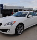 hyundai genesis coupe 2012 white coupe 3 8 track gasoline 6 cylinders rear wheel drive 6 speed manual 76087