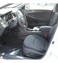 hyundai sonata 2013 white sedan se gasoline 4 cylinders front wheel drive autostick 77094