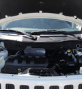 jeep patriot 2009 white suv sport gasoline 4 cylinders 2 wheel drive automatic 79922