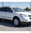 chevrolet traverse 2012 white ls gasoline 6 cylinders front wheel drive automatic 78216
