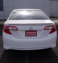 toyota camry 2012 white sedan le gasoline 4 cylinders front wheel drive automatic 75604