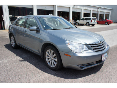 chrysler sebring 2010 gray sedan limited gasoline 4 cylinders front wheel drive automatic 77017